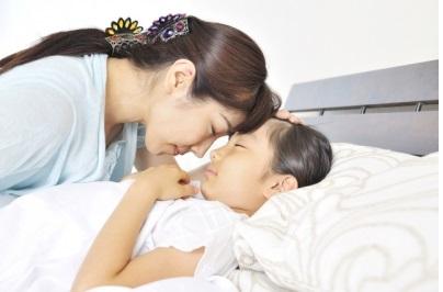 閉塞性呼吸障害のある児に対する扁桃摘出は、睡眠を改善させるか?