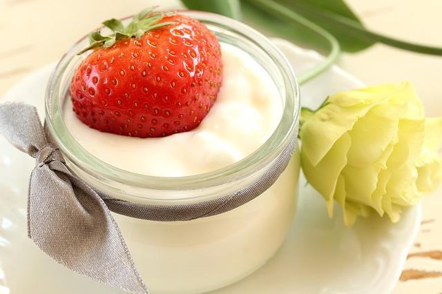 ヨーグルト摂取は、1歳までのアトピー性皮膚炎を予防する
