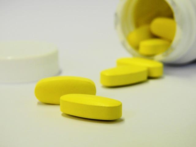 ベンラリズマブは喘息における経口ステロイド薬を減量する