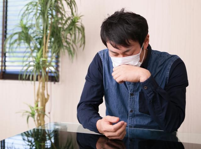 治療抵抗性の慢性咳嗽にジスロマックは効果があるか?