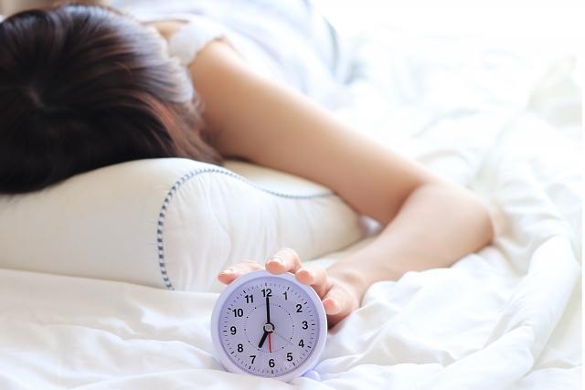 運動や睡眠不足は、ピーナッツアレルギーの症状が出現する閾値を低くする