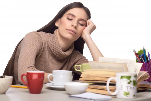 睡眠不足は、皮膚の老化や回復に関係するか?
