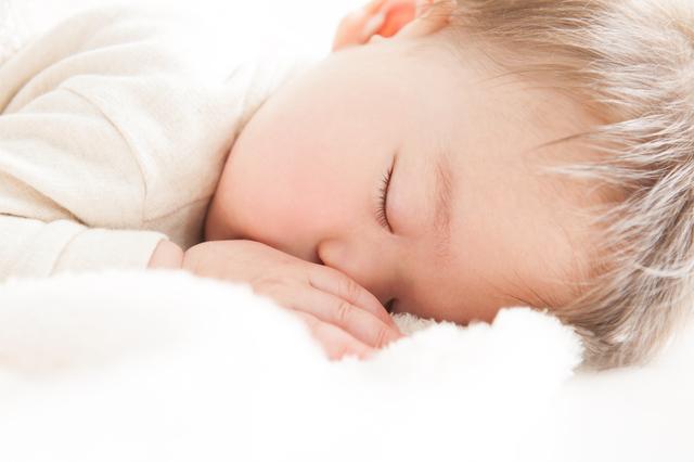 生後3日間の粉ミルクの追加は、その後の牛乳アレルギーの発症リスクを上げる?