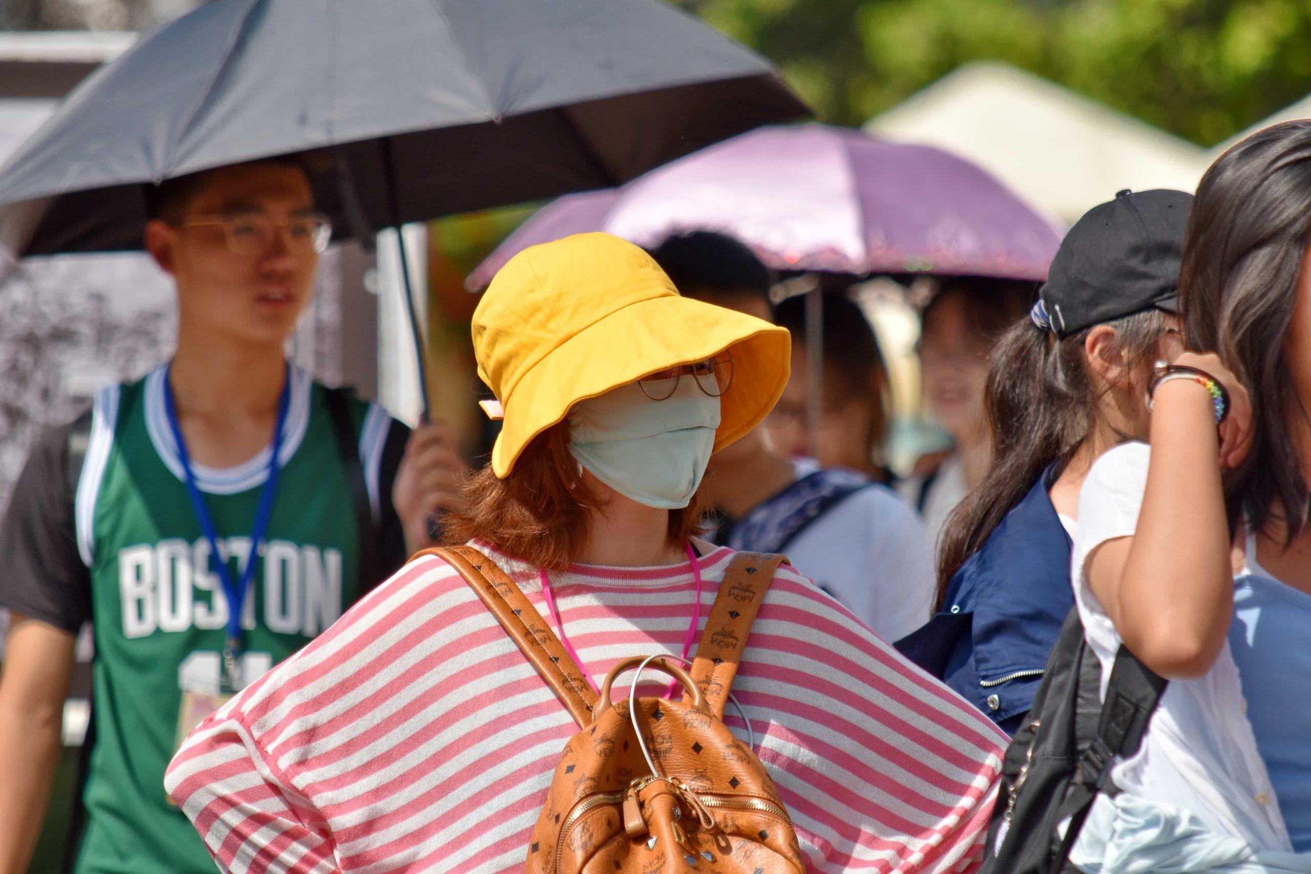 公共の場でのマスク・距離・アイガードは、どれくらい新型コロナの感染防御に有効か?