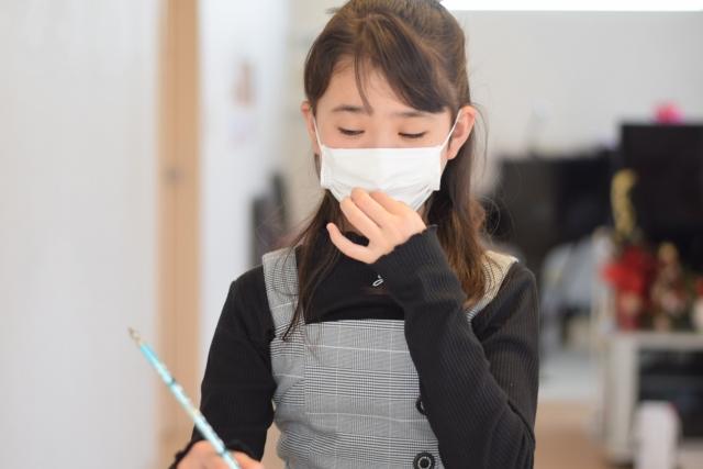 4週間以上続く子どもの痰がらみの咳に対し、抗菌薬が有効かもしれない