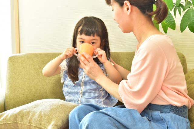 小児の胃腸炎に対し、経口補液は経静脈補液(点滴)に効果は劣らない