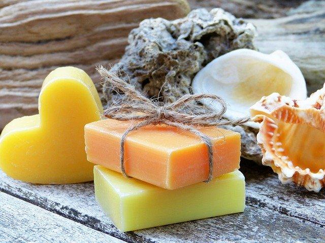 冬季のアトピー性皮膚炎の管理に石鹸洗浄は必要か?