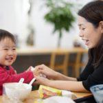 乳児期と、より高い年齢での食物によるアナフィラキシーに違いはあるか?