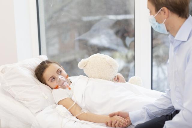 成人の喘息発作入院中、気管支拡張薬にパルミコート懸濁液を併用したほうが入院期間が短縮されるかもしれない