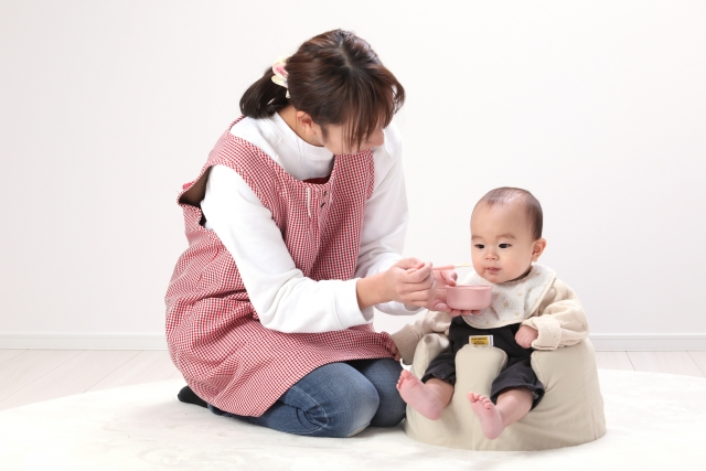 早期離乳食開始による食物アレルギーの予防効果は、湿疹がある群にもっとも強くはたらく
