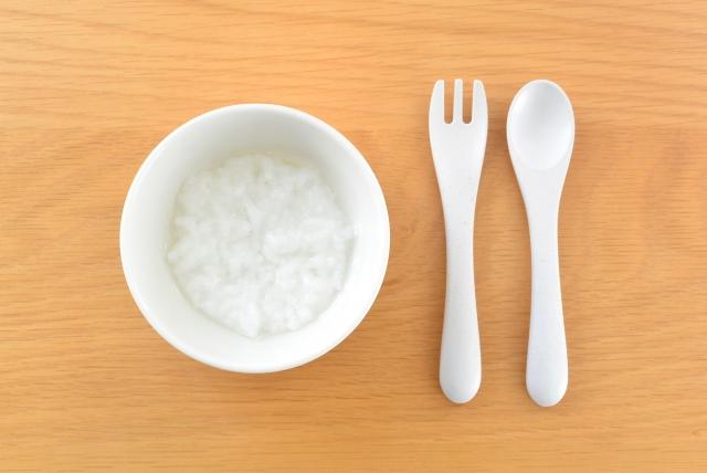 食物アレルギーを予防する『早期離乳食開始』が、困難になる要因はなにか?