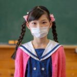 学校の再開は新型コロナの感染拡大に関与はするものの、影響は軽微かもしれない