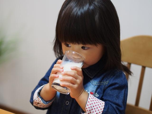日本における、重篤な牛乳アレルギーの小児に対する経口免疫療法の結果は?(ORIMA試験)
