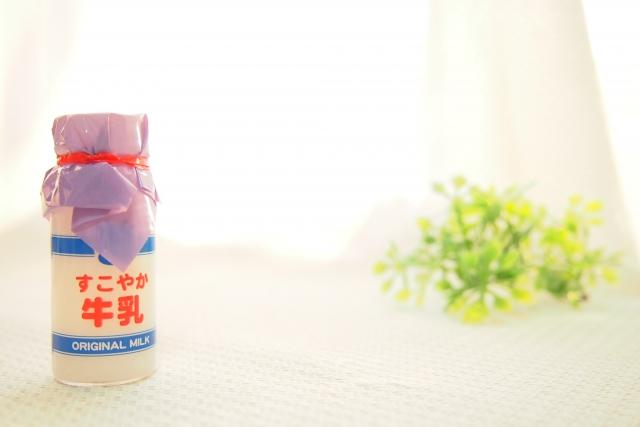 加熱乳と非加熱乳における経口免疫療法は、どちらが有効でリスクが低いか?
